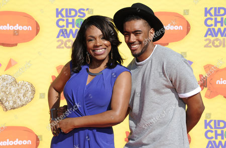 Sheryl Lee Ralph, left, and Etienne Maurice arrive at Nickelodeon's 28th annual Kids' Choice Awards at The Forum, in Inglewood, Calif