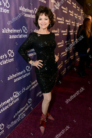 Actress Linda Hart arrives at the 21st Annual 'A Night at Sardi's' to benefit the Alzheimer's Association at the Beverly Hilton Hotel on in Beverly Hills, Calif
