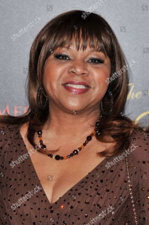 Deniece Williams arrives at the 39th Annual Gracie Awards, in Beverly Hills, Calif