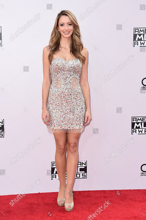 Taryn Southern arrives at the 42nd annual American Music Awards at Nokia Theatre L.A. Live, in Los Angeles