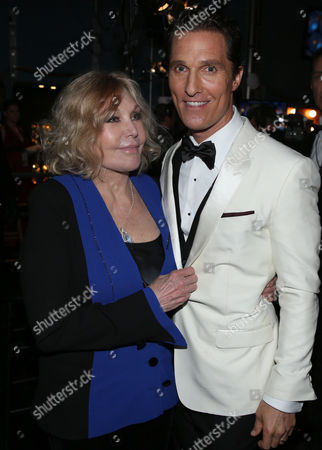 Matthew McConaughey, right, and Kim Novak backstage during the Oscars at the Dolby Theatre, in Los Angeles