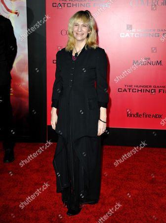 """Amanda Plummer arrives at the Los Angeles premiere of """"The Hunger Games: Catching Fire"""" at Nokia Theatre LA Live on"""