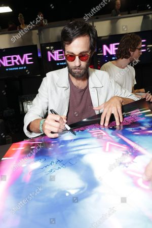 "Director Ariel Schulman signs autographs at Lionsgate ""Nerve"" Talent Signing at 2016 Comic-Con, in San Diego, Calif"