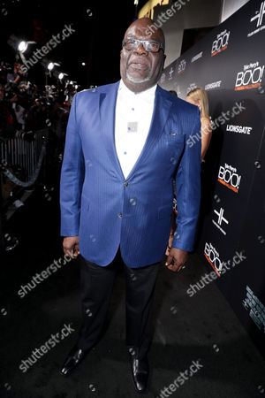 """Pastor T. D. Jakes seen at Lionsgate Presents the World Premiere of Tyler Perry's """"Boo! A Madea Halloween"""" at ArcLight Cinerama Dome, in Los Angeles"""