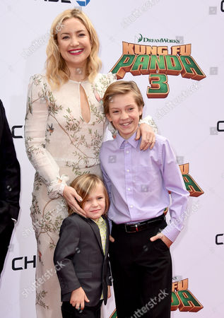 """Kate Hudson, from left, and her sons, Bingham Hawn Bellamy and Ryder Robinson, arrive at the world premiere of """"Kung Fu Panda 3"""" at the TCL Chinese Theatre, in Los Angeles"""