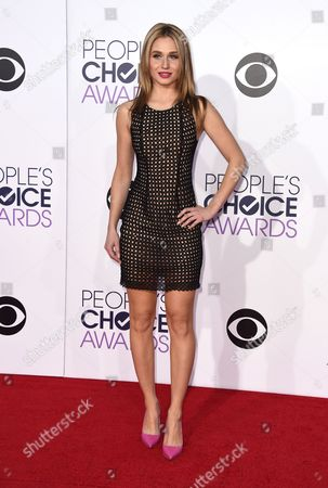 Rita Volk arrives at the People's Choice Awards at the Nokia Theatre, in Los Angeles