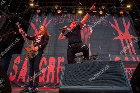 Kyle Sanders, left, and Chad Grey of Hellyeah perform during the 2015 Rockstar Energy Drink Mayhem Festival at San Manuel Amphitheater on in San Bernardino, Calif
