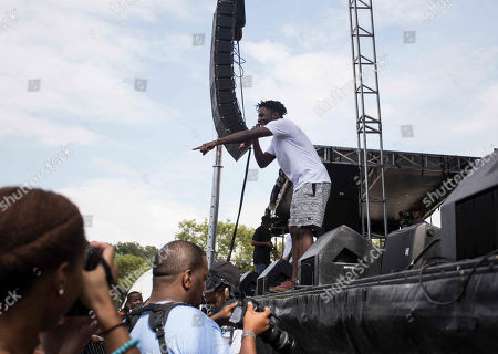 Stock Photo of Isaiah Rashad performs during the ONE Musicfest at Aaron's Amphitheatre at Lakewood, in Atlanta