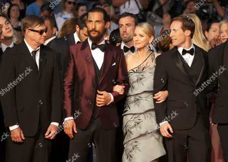 From left, Gus Van Sant, Matthew McConnaughey, Naomi Watts, Chris Sparling and guests pose for photographers upon arrival for the screening of the film The Sea of Trees at the 68th international film festival, Cannes, southern France