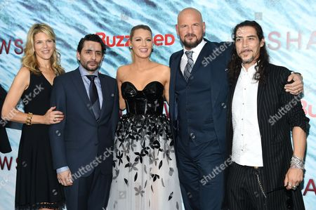 "Producer Lynn Harris, from left, director Jaume Collet-Serra, Blake Lively, producer Matti Leshem and Oscar Jaenada attend the world premiere of ""The Shallows"" at the AMC Loews Lincoln Square, in New York"