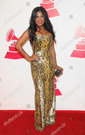 Elizabeth Ortiz arrives at the 2012 Latin Recording Academy Person of the Year Tribute to Caetano Veloso at the MGM Grand Garden Arena, in Las Vegas