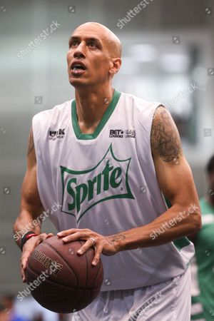 Doug Christie plays in the Sprite Celebrity Basketball Game during the 2015 BET Experience at the Los Angeles Convention Center, in Los Angeles