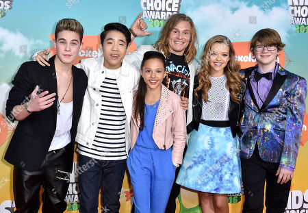 Ricardo Hurtado, from left, Lance Lim, Breanna Yde, Tony Cavalero, Jade Pettyjohn, and Aidan Miner arrive at the Kids' Choice Awards at The Forum, in Inglewood, Calif