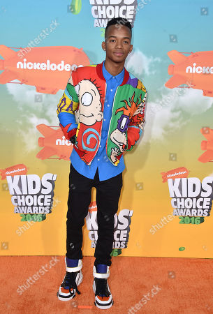 Coy Stewart arrives at the Kids' Choice Awards at The Forum, in Inglewood, Calif