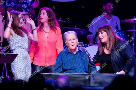 From left, Bethany Cosentino, Wendy Wilson, Brian Wilson, Carnie Wilson perform on stage during Brian Fest: A Night To Celebrate The Music Of Brian Wilson at the Fonda Theatre, in Los Angeles