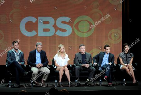 """From left, actor James Wolk, executive producer/creator David E. Kelley, actors Sarah Michelle Gellar, Robin Williams, executive producer/director Jason Winer and actor Amanda Setton participate in the """"The Crazy Ones"""" panel at the 2013 CBS Summer TCA Press Tour at the Beverly Hilton Hotel on in Beverly Hills, Calif"""