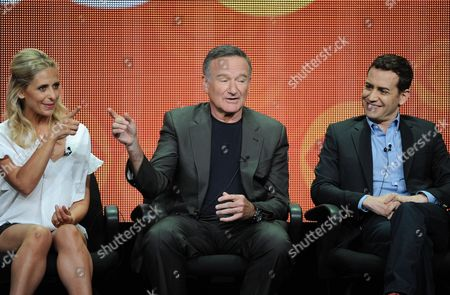"""From left, actors Sarah Michelle Gellar and Robin Williams and executive producer/director Jason Winer participate in the """"The Crazy Ones"""" panel at the 2013 CBS Summer TCA Press Tour at the Beverly Hilton Hotel on in Beverly Hills, Calif"""