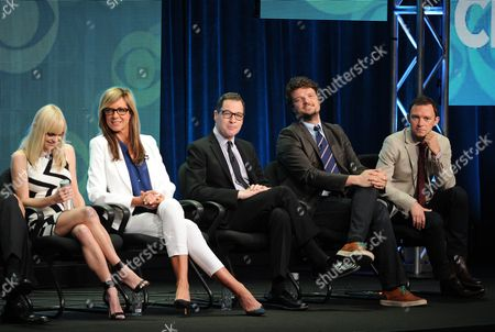 """From left, actors Anna Faris, Allison Janney, French Stewart, Matt Jones and Nate Corddry participate in the """"Mom"""" panel at the 2013 CBS Summer TCA Press Tour at the Beverly Hilton Hotel on in Beverly Hills, Calif"""