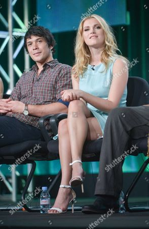 """Bob Morley, left, and Eliza Taylor participate in the """"The 100"""" panel discussion at the CW Winter 2014 TCA Press Tour, Wed, in Pasadena, Calif"""