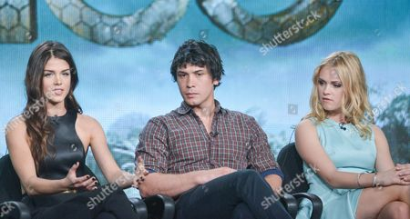 """From left,Marie Avgeropulos, Bob Morley, and Eliza Taylor participate in the """"The 100"""" panel discussion at the CW Winter 2014 TCA Press Tour, Wed, in Pasadena, Calif"""