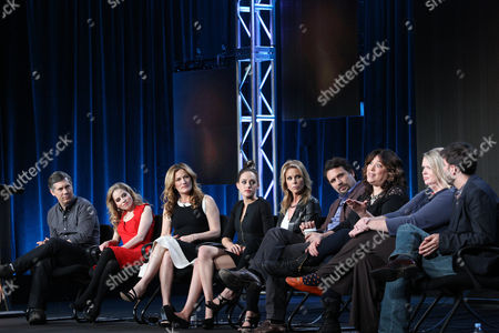 """From left, Chris Parnell, Allie Grant, Ana Gasteyer, Carly Chaikin, Cheryl Hines, Jeremy Sisto, executive producers Emily Kapnek, Patricia Breen and Andrew Guest participate in the """"Suburgatory"""" panel discussion at the Disney/ABC Winter 2014 TCA Press Tour on in Pasadena, Calif"""