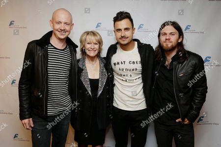 Ellen Hoberman, second from left, with Isaac Slade, Joe King and Dave Welsh, of the musical group The Fray, at The Saban Community Clinic 37th Annual Dinner Gala, on in Beverly Hills, Calif