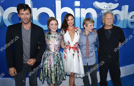 """Harry Connick Jr., Cozi Zuehlsdorff, Ashley Judd, Nathan Gamble and Kris Kristofferson seen at the Los Angeles Premiere of Warner Bros. Pictures' and Alcon Entertainment's """"Dolphin Tale 2"""" held at the Regency Village Theatre, Westwood, Calif"""
