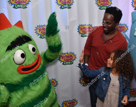 Harold Perrineau, left, and Wynter Perrineau attend Yo Gabba Gabba! LIVE! Music Is Awesome! at the Shrine Auditorium, in Los Angeles