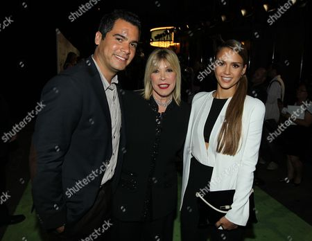 From left, Cash Warren, Debbie Levin, President of the Environmental Media Association, and Jessica Alba arrive at the 22nd Annual Environmental Media Awards, at Warner Bros. Studios in Burbank, Calif