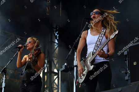 Martie Maguire and Emily Robison with Courtyard Hounds performs on day 1 of the 2013 Austin City Limits Music Festival at Zilker Park on in Austin Texas