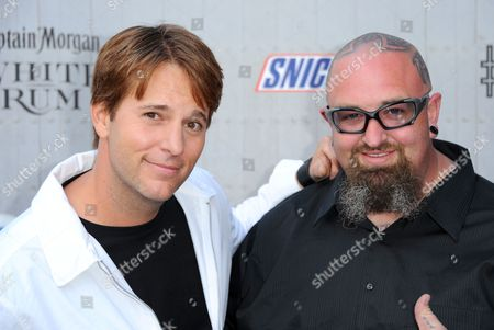 """Allen Lee Haff, left, and Clinton """"Ton"""" Jones arrive at the Guys Choice Awards at Sony Pictures Studios, in Culver City, Calif"""