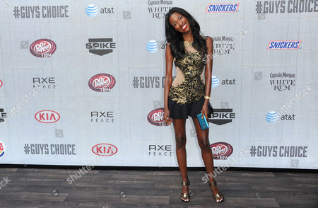 Tia Shipman arrives at the Guys Choice Awards at Sony Pictures Studios, in Culver City, Calif