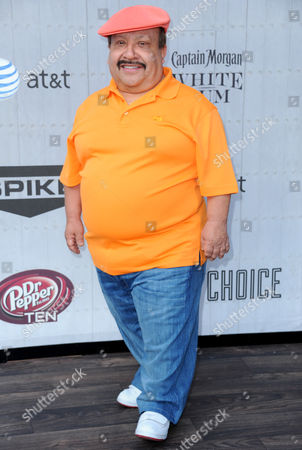 Chuy Bravo arrives at the Guys Choice Awards at Sony Pictures Studios, in Culver City, Calif