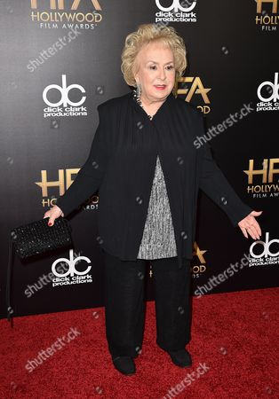 Doris Roberts arrives at the Hollywood Film Awards at the Beverly Hilton Hotel, in Beverly Hills, Calif