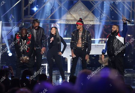 "Rick Ross, from left, Future, Nicki Minaj, August Alsina, and DJ Khaled perform ""Do You Mind"" at the American Music Awards at the Microsoft Theater, in Los Angeles"