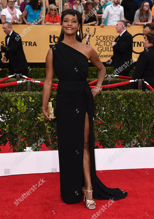 Sufe Bradshaw arrives at the 21st annual Screen Actors Guild Awards at the Shrine Auditorium, in Los Angeles