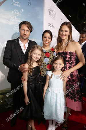 Martin Henderson, Kylie Rogers, Director Patricia Riggen, Courtney Fansler and Jennifer Garner seen at Columbia Pictures world premiere of 'Miracles from Heaven' at ArcLight Hollywood, in Hollywood, CA