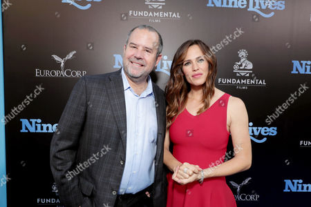 """Marc Shmuger, CEO, EuropaCorp, and Jennifer Garner seen at EuropaCorp Presents the World Premiere of """"Nine Lives"""" at TCL Chinese Theatre, in Los Angeles"""