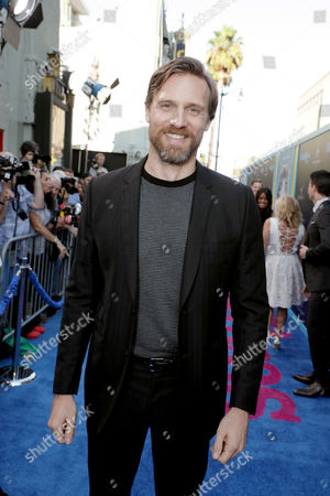 """Teddy Sears seen at EuropaCrop Presents the World Premiere of """"Nine Lives"""" at TCL Chinese Theatre, in Los Angeles"""