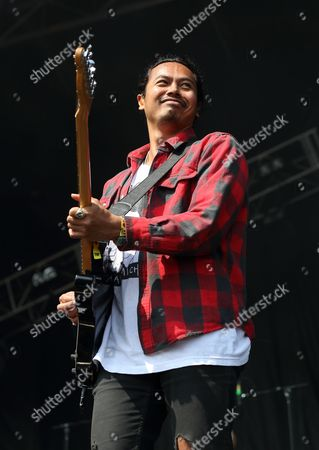 Dougy Mandagi from the band The Temper Trap performs at Lollapalooza in Chicago's Grant Park on