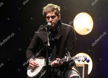 Bo Rinehart with NEEDTOBREATHE performs during the Star 94 Jingle Jam 2015 at the Fox Theatre, in Atlanta