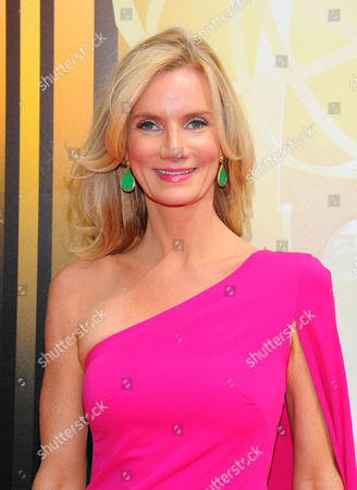 Beth Littleford arrives at the Television Academy's Creative Arts Emmy Awards at Microsoft Theater, in Los Angeles