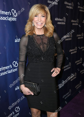 """Leeza Gibbons arrives at the 24th annual Alzheimer's Association """"A Night at Sardi's"""" at the Beverly Hilton hotel, in Beverly Hills, Calif"""