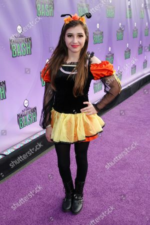 """Victoria Strauss arrives at """"Hub Network's First Annual Halloween Bash"""", at the Barker Hanger in Santa Monica, Calif. The star-studded special will be broadcasted on the Hub Network on Saturday Oct. 26, 2013"""