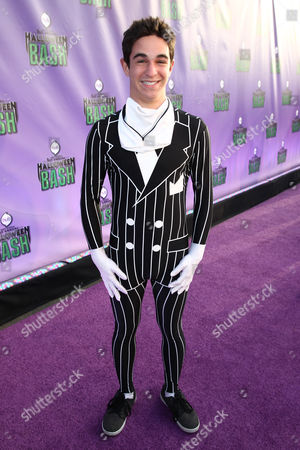 """Zachary Gordon arrives at """"Hub Network's First Annual Halloween Bash"""", at the Barker Hanger in Santa Monica, Calif. The star-studded special will be broadcasted on the Hub Network on Saturday Oct. 26, 2013"""