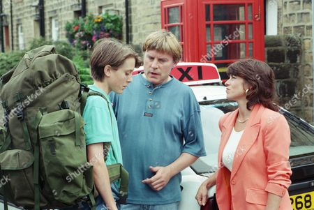 Ep 2114 Tuesday 10th September 1996  Scott says goodbye to Vic as he leaves for the Army. Vic is still not very supportive of him and tries to tell Scott that he is proud of him, but he can't quite bring himself to give him a hug. Scott and Viv leave in a taxi - With Viv Windsor, as played by Deena Payne ; Vic Windsor, as played by Alun Lewis ; Scott Windsor, as played by Toby Cockerell.