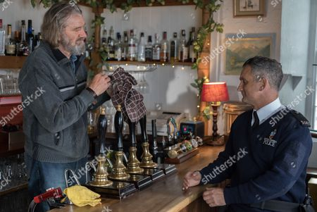 Stock Photo of (SR8: Ep3) - Clive Russell as Ken Hollister and John Marquez as Pc Joseph Penhale.