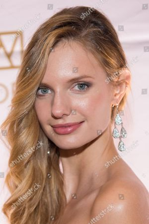 Isabella Oberg attends the 20th Anniversary European School of Economics New York Ball benefit at Trump Tower, New York
