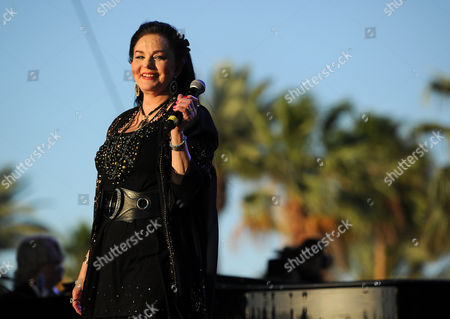 Crystal Gayle performs during day two of the 2014 Stagecoach Music Festival at the Empire Polo Field on in Indio, Calif