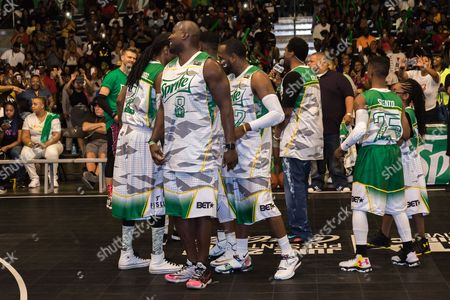 Snoop Dogg, from left, Marcellus Wiley, Young Greatness, Dean Cole, Silento, and Marsai Martin play at the BET Experience - Sprite celebrity basketball game held at the Los Angeles Convention Center on